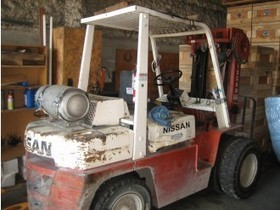 Nissan 8000lb Forklift   Coast Machinery Group   Scoop.it