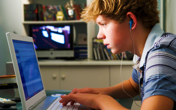 Facebook Use May Lead to Psychological Disorders in Teens [STUDY] | On education | Scoop.it