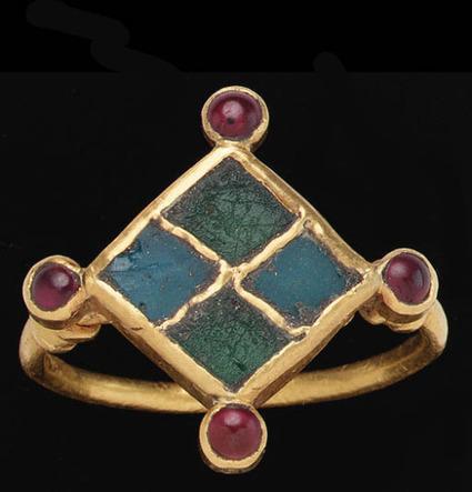 The Cranky Professor | archaicwonder: Merovingian Gold, Glass and Garnet... | The Merovingian Kingdoms | Scoop.it