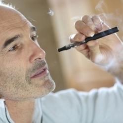 Pays de Galles : la cigarette électronique bientôt interdite ? - Réponse a Tout | cigarettes-electronique | Scoop.it