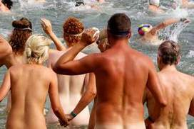 "No bathers, no worries for world's first nude ocean swim | ""Sydney Skinny"" | Scoop.it"