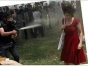 La «femme en rouge» de Turquie: à chaque révolte son icône - Rue89 | évolution ou révolution ? | Scoop.it