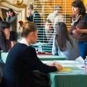 Les jeunes femmes sont plus nombreuses que les jeunes hommes à valider un diplôme du supérieur mais avec des emplois en moyenne moins bons. | Le blog des actualités de l'AFIJ | 7 milliards de voisins | Scoop.it