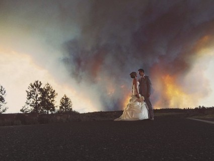 Raging Wildfire Sets a Dramatic Background for Oregon Couple's Wedding Photos [Gallery] | TheBlogIsMine | Scoop.it