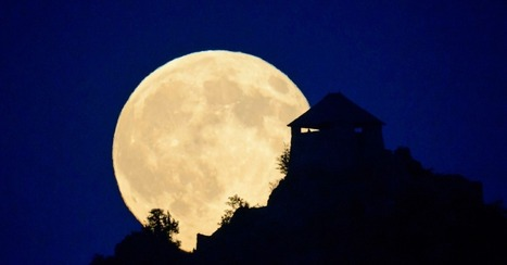 Supermoon Rises: 10 Gorgeous Photos to Remind Us How Small We Are | Prozac Moments | Scoop.it
