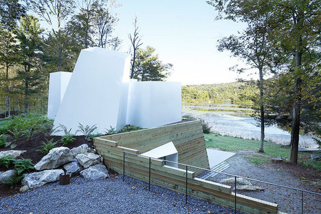 Gareth agrees with taylor and miller architecture by combining two materials to form the lake house | Design | Scoop.it