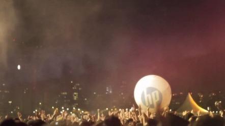 Novinka: skákajúci Facebook na hudobných festivaloch | Pastier | Blogy | Mediálne.sk - vedieť vidieť | Kick Ass Media Ideas | Scoop.it