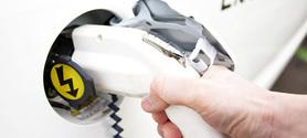 Véhicules électriques : le gouvernement lance une mission pour développer le réseau de bornes de recharge | great buzzness | Scoop.it