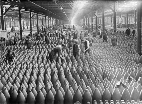 Loin des tranchées : quand les multinationales européennes engrangeaient déjà les profits de la guerre | Nos Racines | Scoop.it