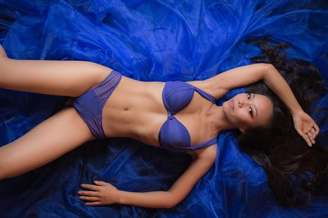 Lingerie photos on stage - ideas for a tough setup | Boudoir and Glamour Photography | Scoop.it