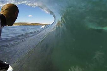 Vidéo : Un requin blanc dans la vague de Kelly Slater - Monde | shark | Scoop.it