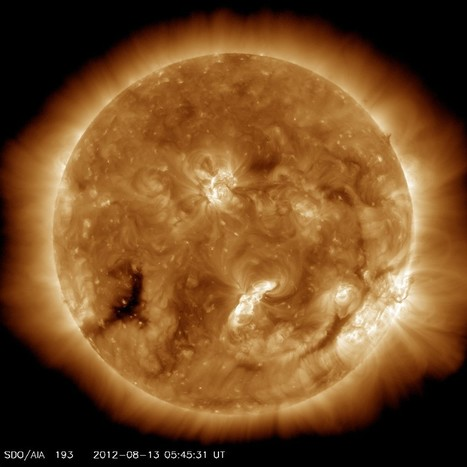 Solar wind from coronal hole | Scientificus | Scoop.it