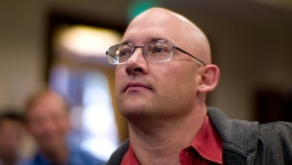 Clay Shirky: Let a thousand flowers bloom to replace newspapers; don't build a paywall around a public good | New media environment | Scoop.it