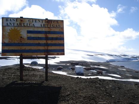 Uruguay estudia regular actividad pública y privada para protección ambiental de Antártida   Prensa Ambiental VSUy   Scoop.it