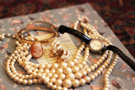Four Places to Find Awesome Vintage Jewelry | CHS China Hostess Service - We Try Harder | Scoop.it