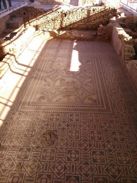 RT @PutiPF @MartitaM9: Increible venir y ver el Mosaico de los Amores en directo. | Cástulo, capital de Oretania | Scoop.it