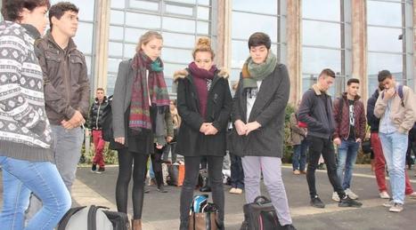 Attentats de Paris. La Roche: le recueillement au Pôle universitaire | Retrouvez l'actualité du campus yonnais dans la presse | Scoop.it