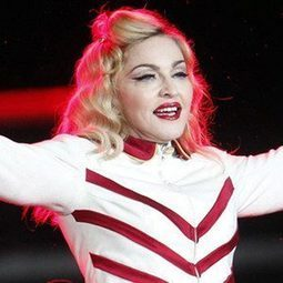 Madonna Lashes Out at Smoking Fans in Chile, Threatens to Cancel Concert | International | Scoop.it