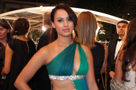 Actress Miss India UK Deana Uppal walks 67th Cannes Red Carpet | Bollywood Updates | Scoop.it
