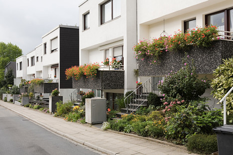 Urban Backyards: 5 Ways City-Dwellers Can Use Small Outdoor Spaces - Huffington Post | create a garden landscape | Scoop.it