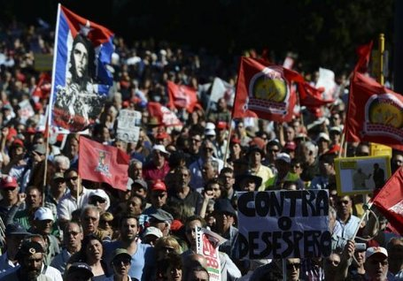Thousands rally in Portugal against pro-austerity government | Adamastor | Scoop.it