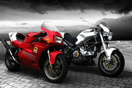 Ductalk PhotosOfMotos | Ducati 888 + M900S | Frestrobbe | deviantart | Ductalk | Scoop.it
