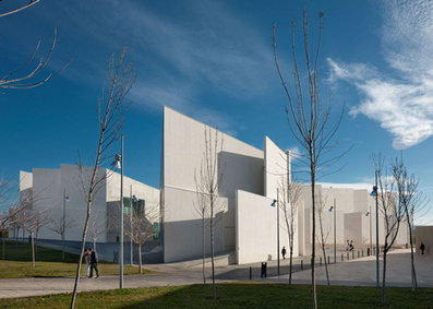 Health Sciences Faculty in Zaragoza by Taller Básico de Arquitectura   The Architecture of the City   Scoop.it