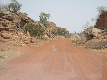 Les routes en Afrique, quand le goudron n'arrive pas ! (rediffusion)   7 milliards de voisins   Scoop.it