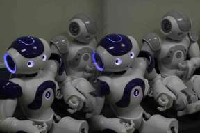 "Study: Dumb Robots Cause Students To Learn More Quickly | L'impresa ""mobile"" 