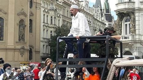 Zájem o islamofobní skupiny klesá, proto se snaží Konvička provokovat za každou cenu, konstatuje politolog Jan Charvát | ANFAS | Scoop.it