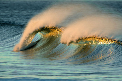 Photographs of Ocean Waves Captured With a Long Lens and Slow Shutter | Visual Culture and Communication | Scoop.it