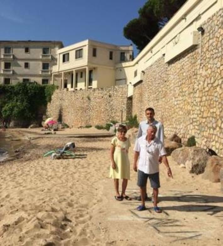 """Sous les barils, la plage: la famille royale saoudienne règne sur Vallauris   Argent et Economie """"AutreMent""""   Scoop.it"""