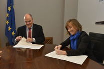 El Gobierno de Navarra y Kutxabankalcanzan un acuerdo parafavorecer laconcesiónde créditos para actuacionesen vivienda | Rehabilitación de Edificios | Scoop.it