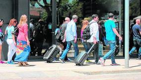 Uno de cada tres españoles no hará ningún viaje en vacaciones - Diario de Sevilla | Viajes y tiempo libre | Scoop.it