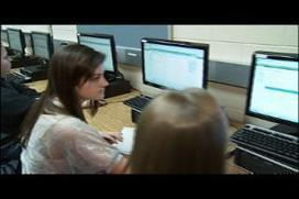 Flipped Classrooms Help Local Students Learn | The Socially Networked Classroom | Scoop.it