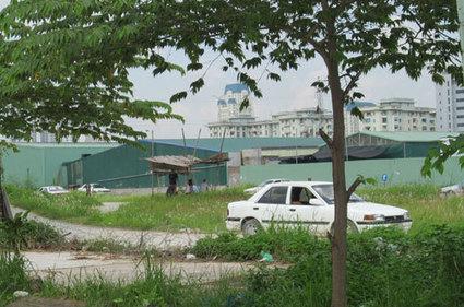 Bãi tập ô tô không phép tại Khu đô thị Nam Trung Yên vẫn ung dung tồn tại   Đô thị blog   Scoop.it