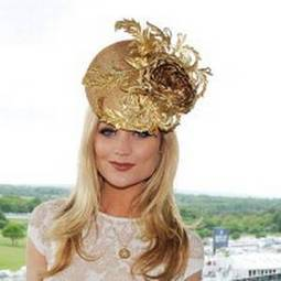 Laura Whitmore flies the Irish fashion flag at the Epsom Derby - Irish Independent   Bold Fashion   Scoop.it