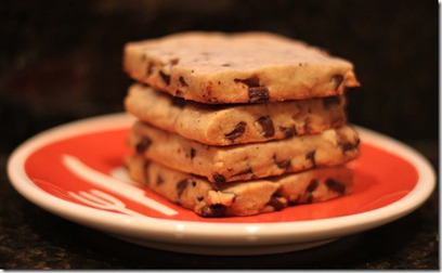 Recipe: Dark Chocolate Chunk Espresso Shortbread | Domestocrat | RECIPES WITH CHOCOLATE | Scoop.it