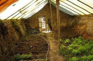 Construire une serre souterraine pour cultiver toute l'année : mode d'emploi ! | Au jardin! | Scoop.it