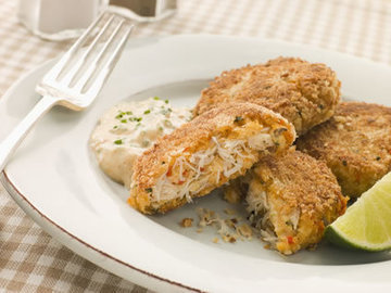 Maryland Crab Cakes with Curry Mayonnaise | American Food | Scoop.it