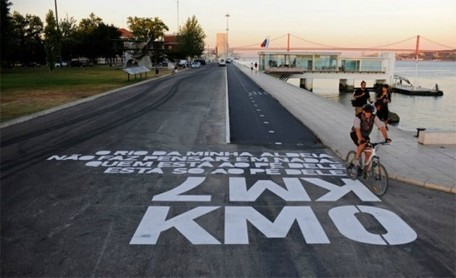 Awesome Typographic Directions Tell Bikers Where to Cycle in Lisbon | Urban Design | Scoop.it