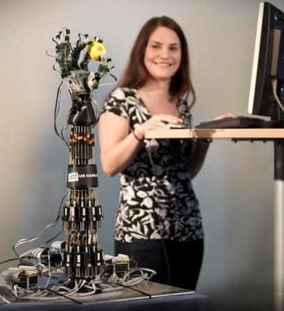 Robotic hand gets a grip using string artificial tendons | Longevity science | Scoop.it