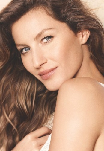 Gisele Bundchen The New Face For Chanel Beiges : by Styling Amsterdam | By Styling Amsterdam Fashion Designers Models Trendsetters Daily Notes Agenda Guide Style Trends Magazine Calendar Planner News Fashion days and deals Celebrity styles | Scoop.it
