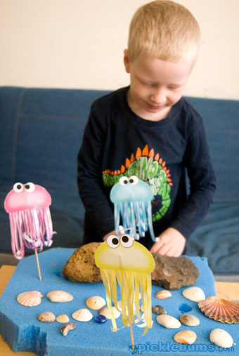 Three Jelly Fish Printable Puppets! - picklebums.com | ESL Lesson Ideas | Scoop.it