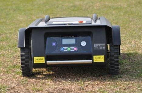 Le robot tondeuse EZIGREEN classic en image   Les robots domestiques   Scoop.it