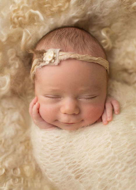 Heartwarming Portraits of Newborn Babies Smiling Sweetly | Cute Kids | Scoop.it
