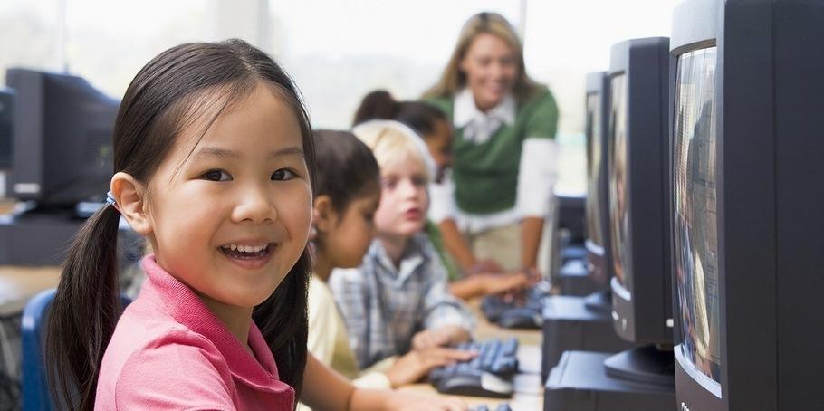 Unidos por una educación abierta y digital