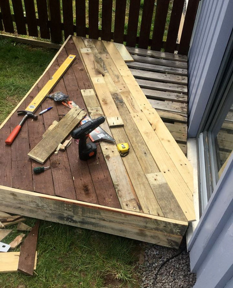 Pallet Front Porch Door Decking | DIY | Scoop.it