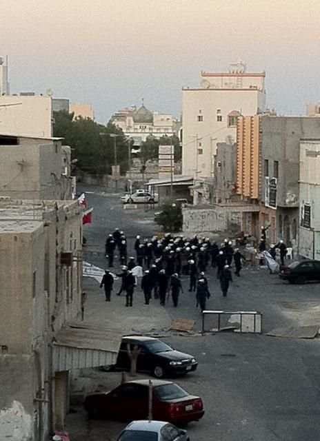 The mercenaries tearing-down  pictures of the martyrs in Sitra ~ Sep19,2011 | Human Rights and the Will to be free | Scoop.it