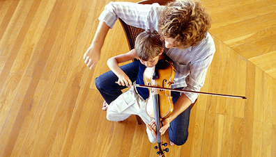 What's the Right Age to Begin Music Lessons? . Music & Arts . Education | PBS Parents | FMF | Scoop.it